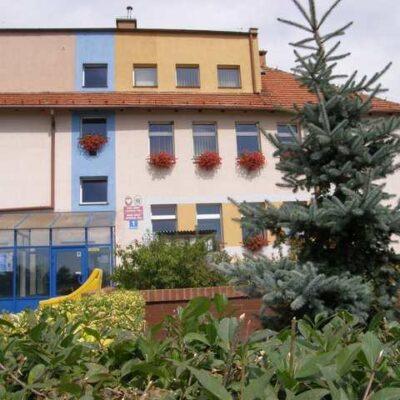 budynek urzędu gminy z przodu