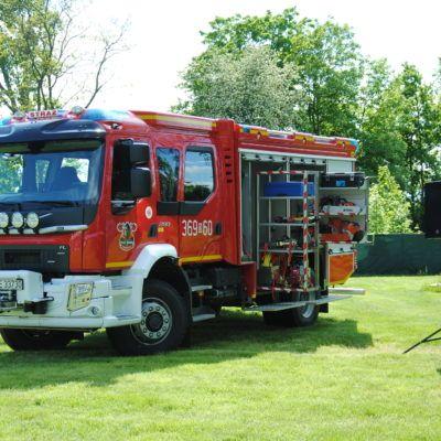 zdjęcie przedstawia wóz strażacki