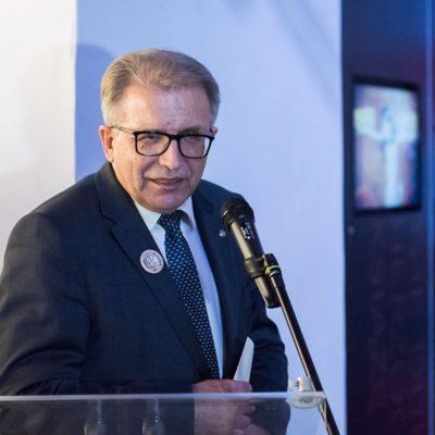zdjęcie przedstawia przewodniczącego sejmiku województwa dolnośląskiego andrzeja jarocha